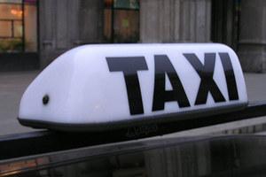Taksówkarze biją?!