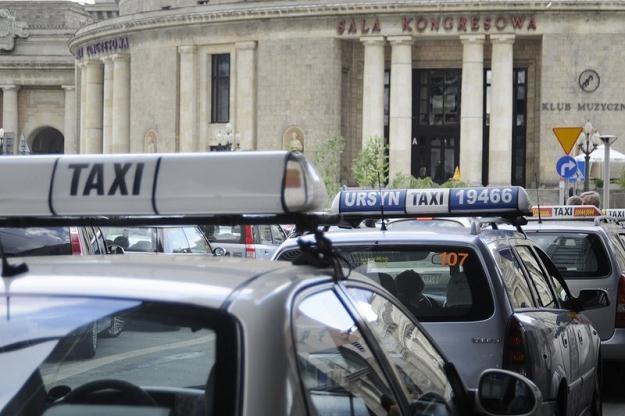 Taksówkarze domagają się podwyżek / Fot: Piotr Kwiatkowski /East News