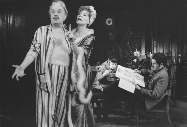 """""""Tango"""" w reż. Jerzego Jarockiego, Teatr Stary w Krakowie. Zdjęcie z archiwum M. Dubrawskiej-Hubner /East News"""