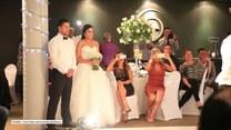 Taniec haka w wykonaniu gości weselnych