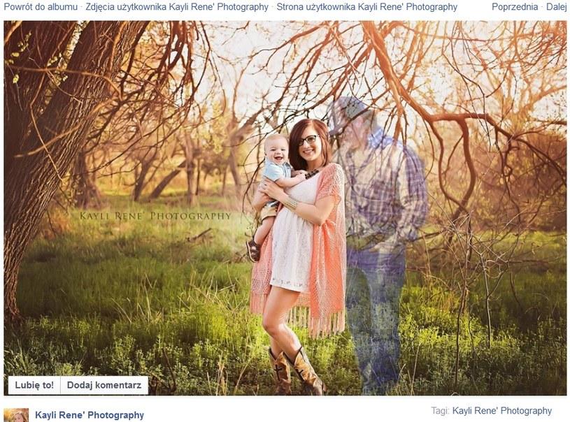 Taos z mamą i zmarłym tatą. Fot: Kayli Rene Photography /facebook.com