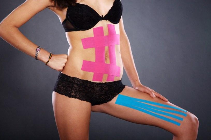 Taśmy z powodzeniem mogą być stosowane przez kobiety w ciąży w profilaktyce tworzenia się rozstępów, a także w celu odciążenia kręgosłupa /©123RF/PICSEL