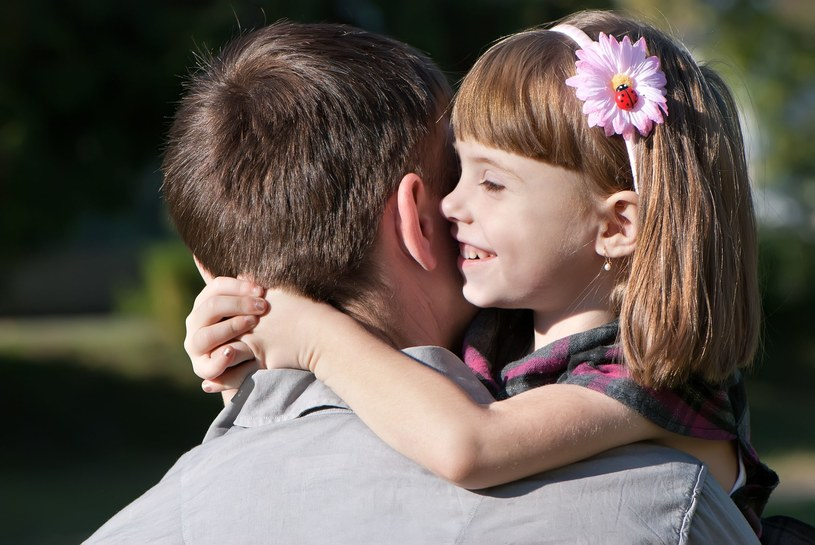 Tata i córka /©123RF/PICSEL