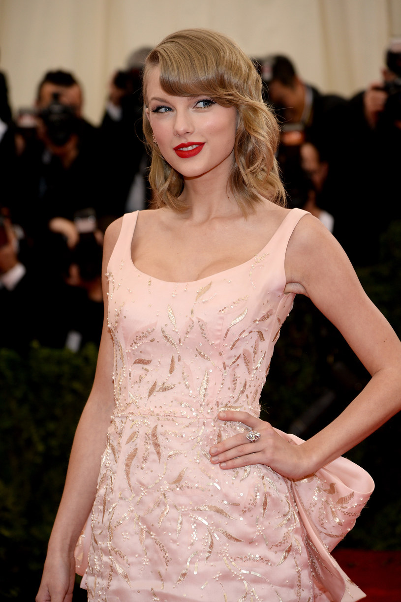 Taylor Swift /Dimitrios Kambouris /Getty Images