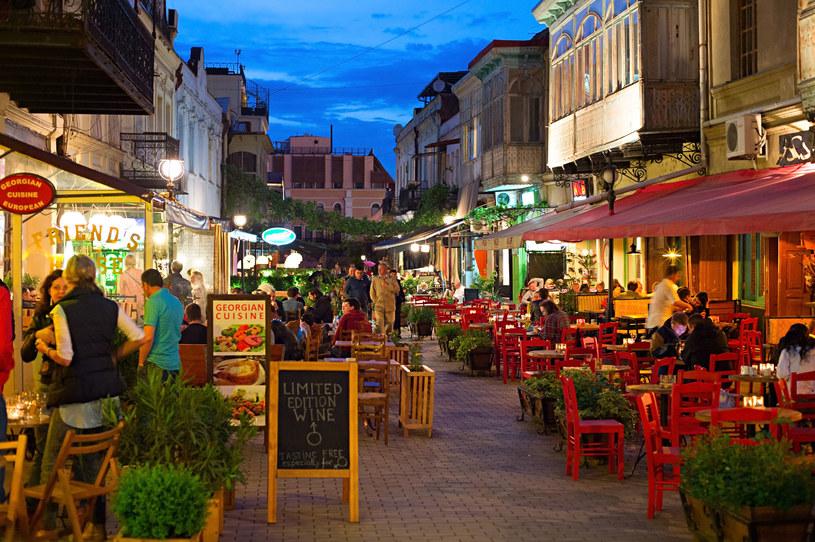 Tbilisi - nowoczesne miasto, pełne butikowych hoteli z klasą i wysmakowanych restauracji z muzyką na żywo /©123RF/PICSEL