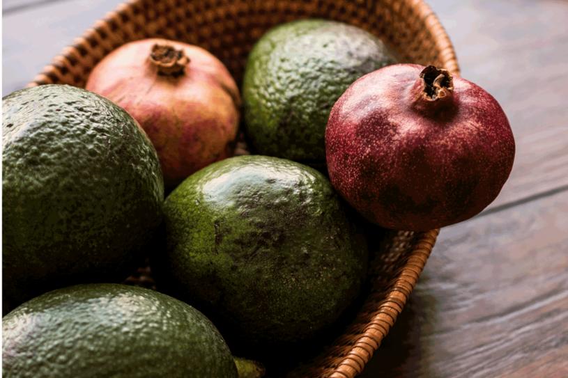 Te owoce pomogą wprowadzić nieco kolorów do zimowych posiłków /123RF/PICSEL