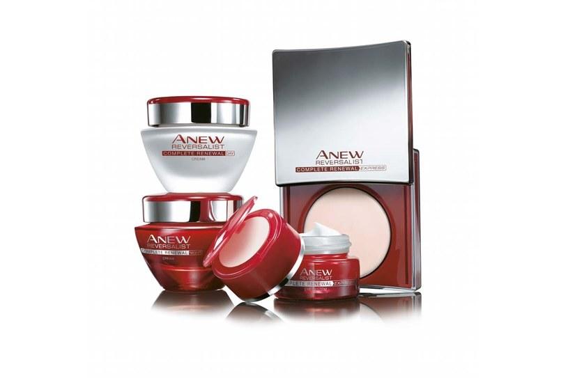 Technologicznie linia kosmetyków do pielęgnacji cery 35+ AVON Anew Reversalist /Styl.pl/materiały prasowe