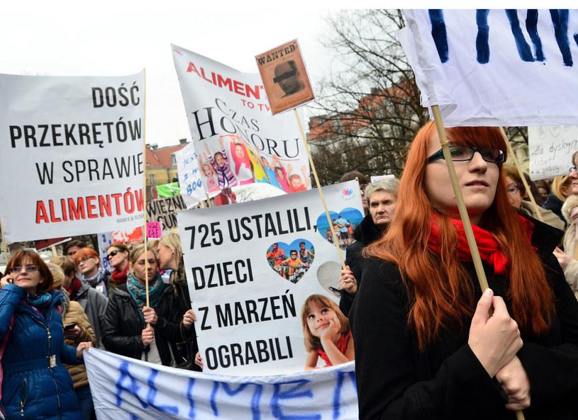 Tegoroczna Manifa. Dość przekrętów w sprawie alimentów /Mateusz Gaczynski /East News