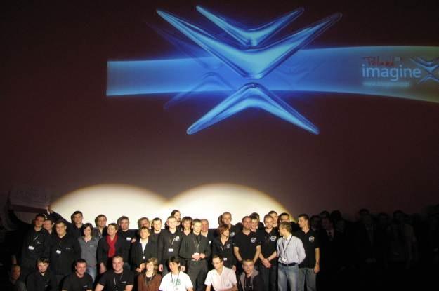 Tegoroczni finaliści   Imagine Cup 2010 w Projektowaniu Oprogramowania podczas gali rozdania nagród /INTERIA.PL