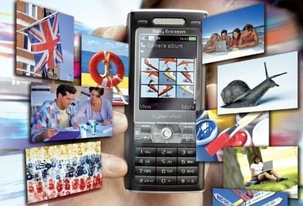 Telefony komórkowe robią coraz lepsze zdjęcia. Czy zastąpią aparaty fotograficzne? /PC Format