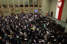 Temat aborcji w Sejmie. Jaką drogą podąża posłowie?