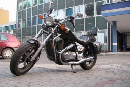 Ten motocykl trafi do policji /RMF