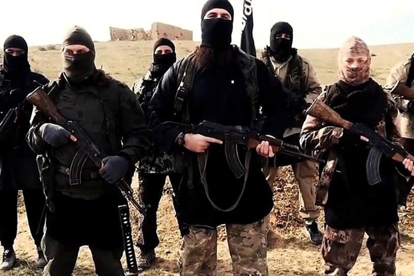Terroryści Państwa Islamskiego /YouTube