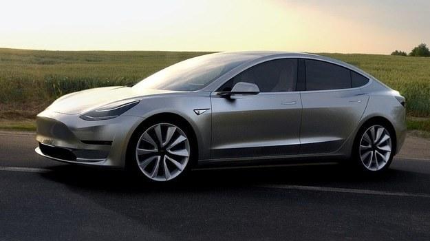 Tesla Model 3 /Tesla
