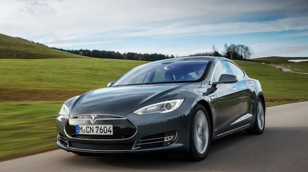 Tesla Model S /Tesla
