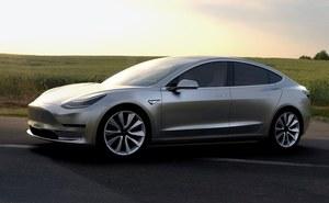 Tesla zniechęca klientów do czekania na Model 3?