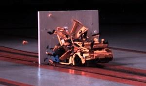 Test zderzeniowy samochodu z... klocków LEGO!