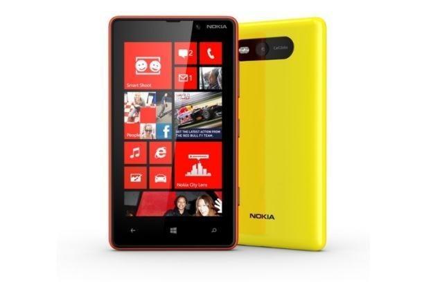 Testerzy otrzymają smartfon Nokia Lumia 820 /materiały prasowe