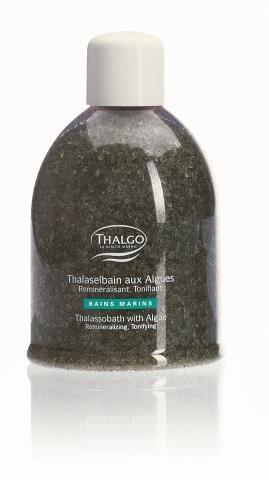 Thalgo,  pastylki, 98 zł, i sól morska z algami  do kąpieli,  600 ml/103 zł. /Mat. Prasowe