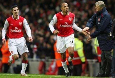 Thierry Henry i Arsene Wenger znów triumfują! Arsenal-ManU 2:1 /AFP