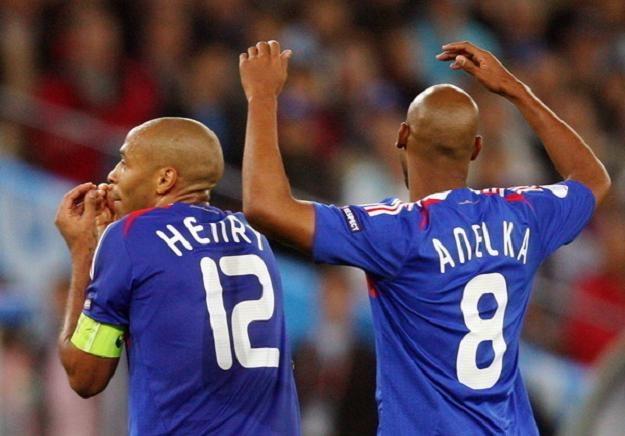 Thierry Henry (z lewej) i Nicolas Anelka. /INTERIA.PL/PAP
