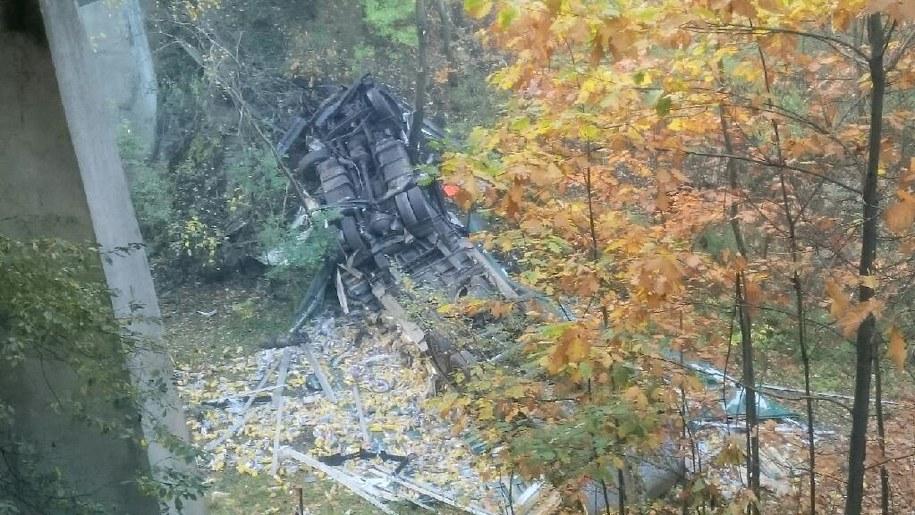 Tir spadł z wiaduktu w Katowicach /  /Gorąca Linia RMF FM