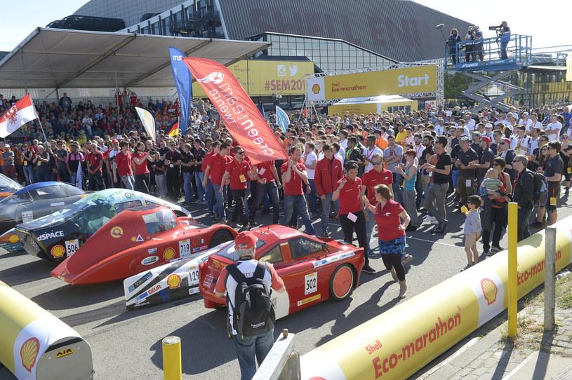 Tłum zebrany podczas wręczania nagród Shell Eco-Marathon Europe 2015 /