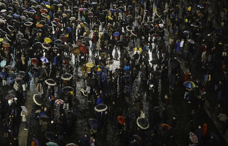 Tłumy na placu św. Piotra /AFP