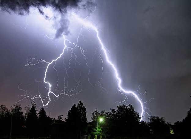 To była straszna noc! /123RF/PICSEL