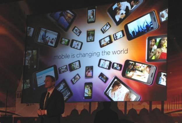 To co mobilne, zmienia świat  nie do poznania - tłumaczy Paul Jacobs, CEO firmy Qualcomm /INTERIA.PL