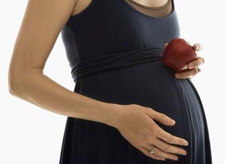 To, czy ciąża jest pojedyncza czy mnoga, można stwierdzić już w pierwszym trymestrze ciąży /ThetaXstock