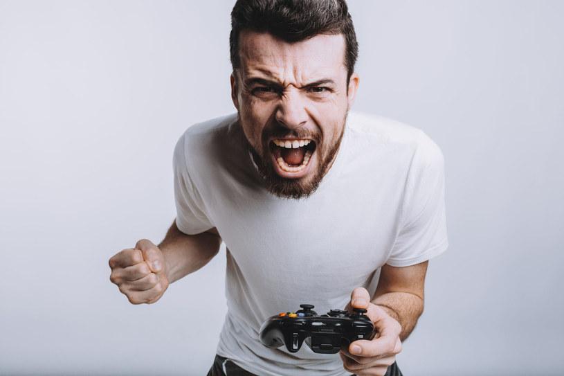 """To przykre, że w XXI wieku nadal pojawiają się osoby traktujący gry jako zło. A przecież ich odbiór przez użytkowników """"niewiele"""" różni się od filmów /123RF/PICSEL"""