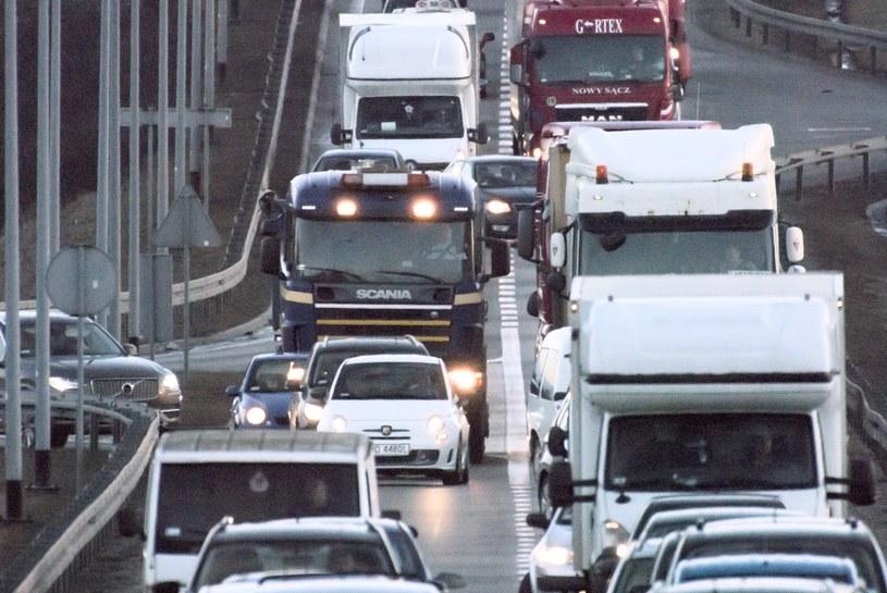 To tachografy będą pilnowały kierowców /Wojciech Stróżyk /Reporter