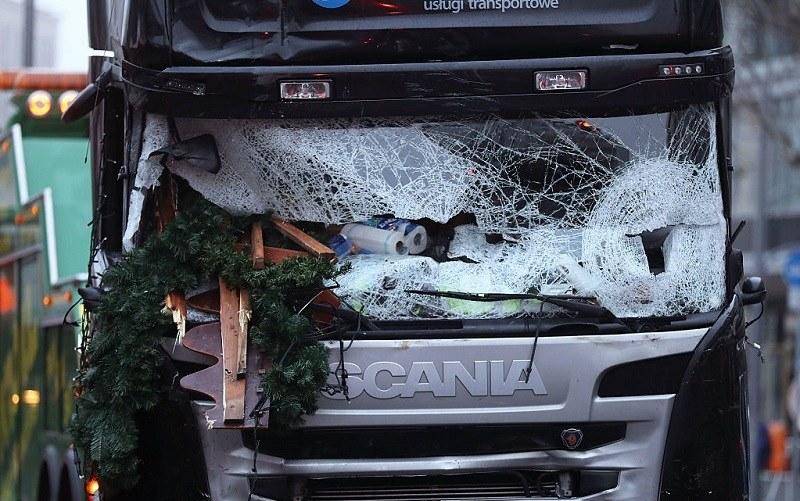 To właśnie tą ciężarówką dokonano zamachu /Getty Images