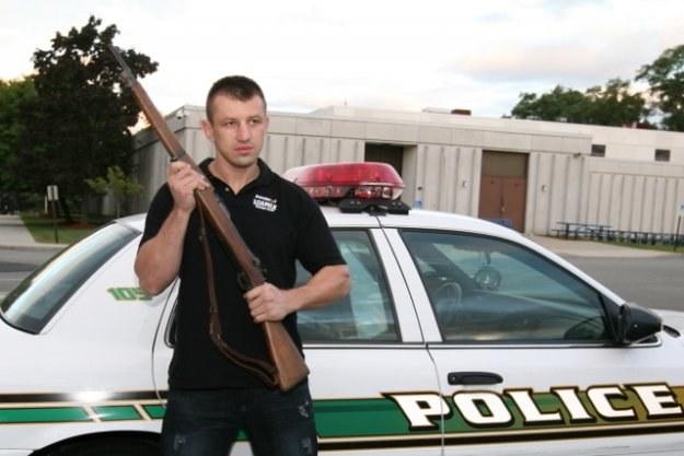 Tomasz Adamek przymierza się do roli policjanta. Fot Mike Gladysz /INTERIA.PL