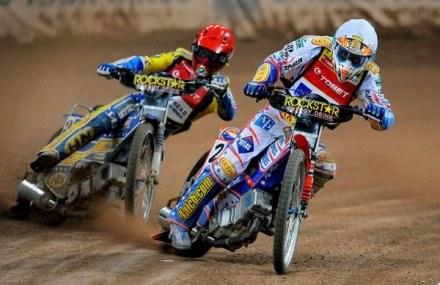 Tomasz Gollob goni Jasona Crumpa w klasyfikacji generalnej żużlowej Grand Prix. /AFP