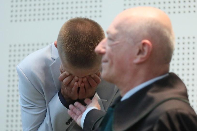 Tomasz Komenda (L) i były minister sprawiedliwości Zbigniew Ćwiąkalski (P) /Paweł Supernak /PAP