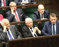 """Topnieje przewaga PiS nad PO. Sondaż Instytutu Badań Pollster dla """"SE"""" i Nowej TV"""