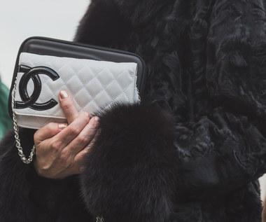 Torebka Chanel 2.55 najlepszą inwestycją, nie tylko modową