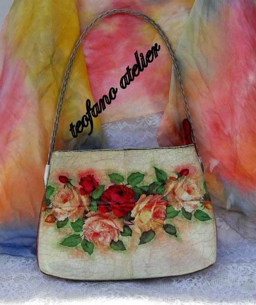 Torebka ozdobiona motywem róż. www.teofano.blogspot.com