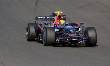 Toro Rosso jest na sprzedaż. Jeśli kogoś stać, może kupić sobie team w Formule 1 /AFP