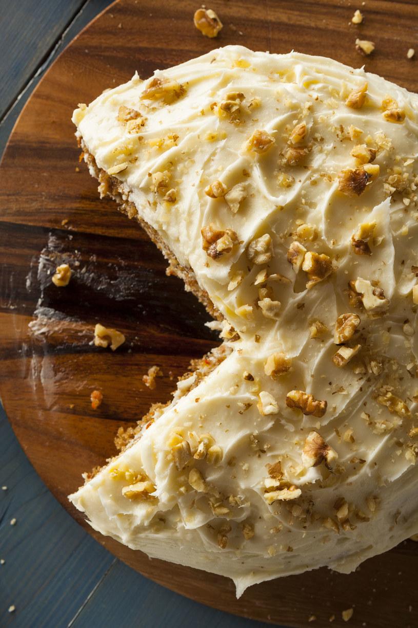 Tort marchewkowy /123RF/PICSEL