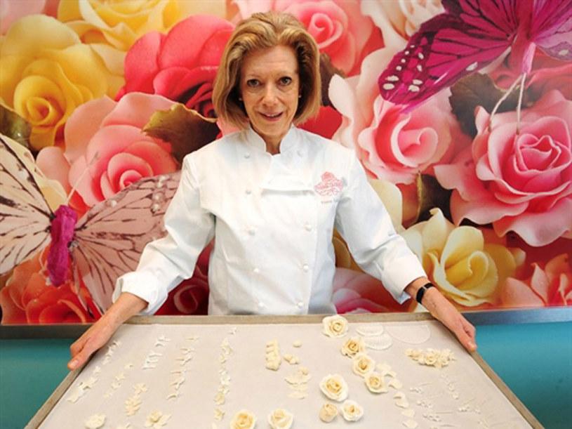 Tort ślubny wykona Fiona Cairns, jej specjalność to ornamenty wykonywane ręcznie z lukru i czekolady  /AFP