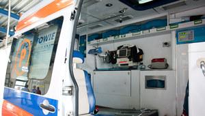 Toruń: 1,5-roczna dziewczynka wypadła z okna