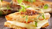 Tosty z mozzarellą i domowym bazyliowym pesto