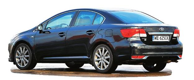 TOYOTA AVENSIS III (2008-) SEDAN: dł.: 470 cm, szer.: 181 cm, wys.: 148 cm, rozstaw osi: 270 cm, pojemność bagażnika: 510 l /Motor
