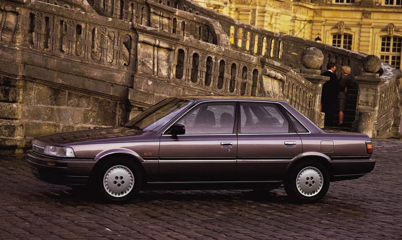 Toyota Camry z 1987 roku /