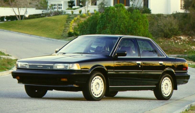 Toyota Camry z 1987 /