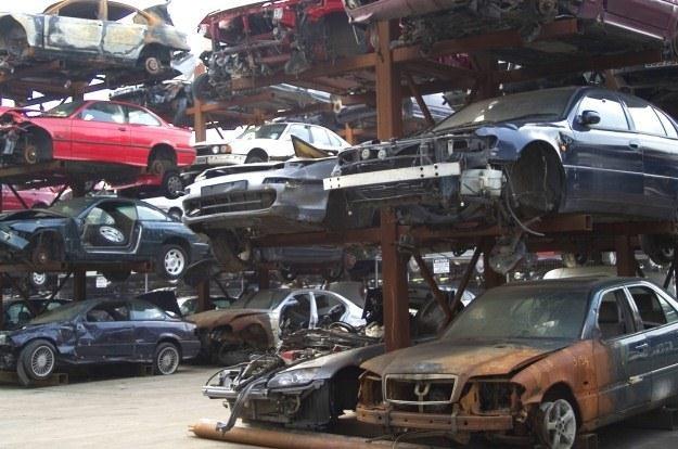 Toyota chce się zając złomowaniem samochodów /