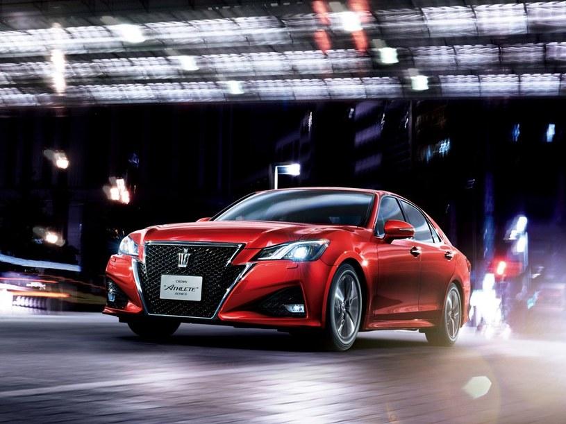 Toyota Crown obecnej generacji /